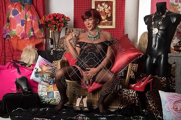 Foto hot 5 di Mistress Elite mistress trans Bari