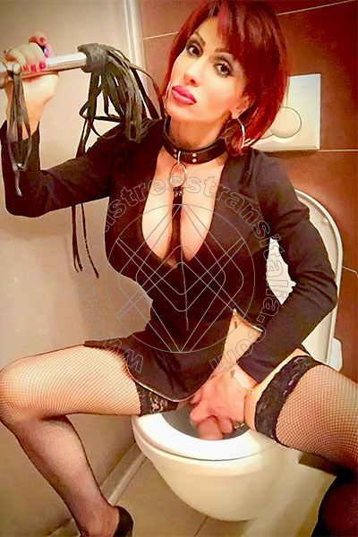 Foto hot 8 di Regina Audrey Italiana Mistress Trans mistress trans Seregno