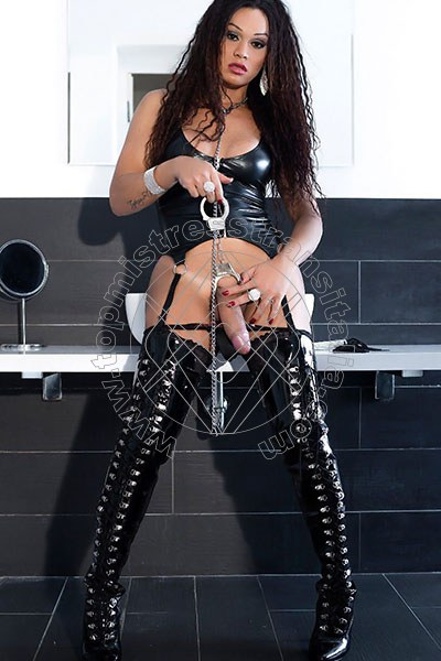 Foto hot 5 di Padrona Tyfany Stacy mistress trans Sanremo