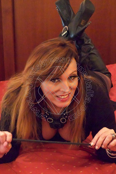 Foto 4 di Padrona Liz Xl mistress trans Cinisello balsamo