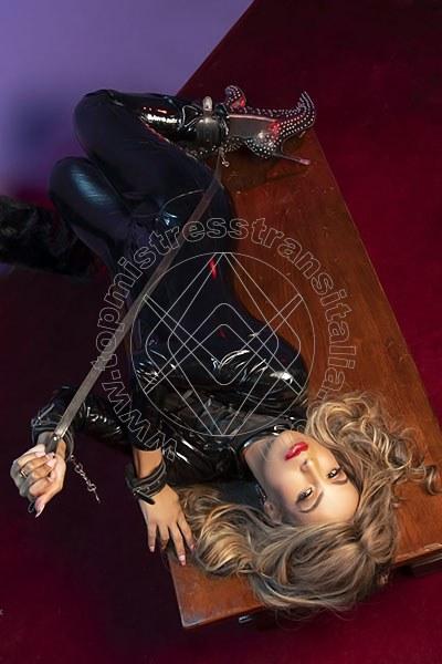 Foto 2 di Lady Victoria Venere mistress trans Parma